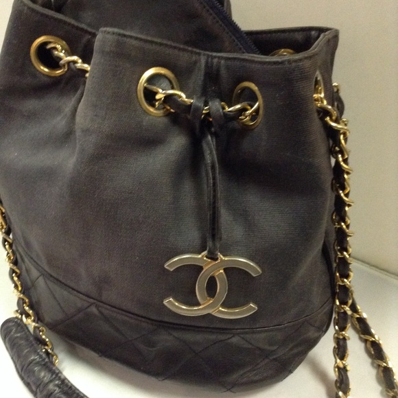 74de33e39912 CHANEL Handbags - Authentic Vintage Chanel Bucket Bag